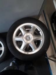 Rodas da marea com pneus