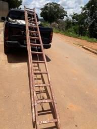 Escada de madeira padrão cemig