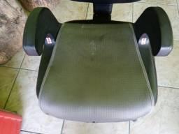 Assento elevado para criança