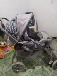 Carrinho de bebê Semi Novo $ 180.00