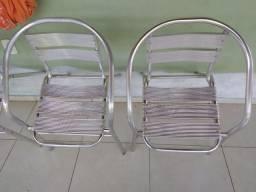 02 cadeiras de alumínio