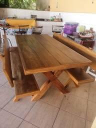 Mesa com bancos rustica(200x85) madeira de demolição