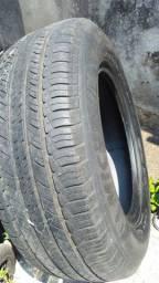 Par de Pneus Aro 17 245 65 Michelin original semi Novo
