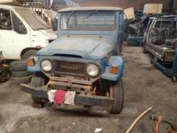 Toyota bandeirantes pra retirada de peças, não vendo inteira, só vendo peças..