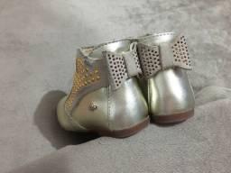 Vendo calçados tamanho 21/22