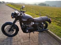 Triumph Bonneville T120 Black -1200cc- ano 2019