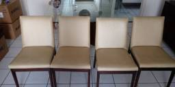 Cadeiras em couro bege - sala de jantar - R$ 800,00