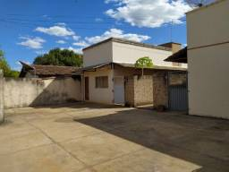 Aluga, Casa 2/4, Sala, Cozinha, 1 Banheiro e Área de Serviços, Taquaralto