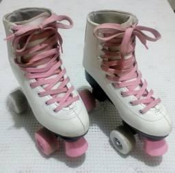 Patins branco e rosa