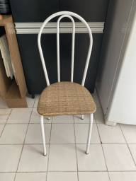Conjunto de 4 cadeiras.