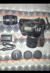 Canon EOS 7D + Lente 18-200