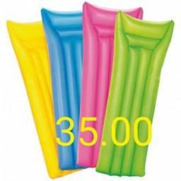 Colcha inflável 35,00 .guarda sol 50,00 e cadeira de praia 55,00