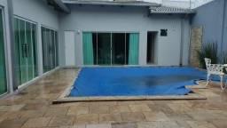 Alugo casa com piscina mobiliado