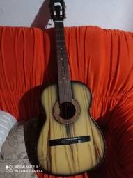 Vendo um violão tonante