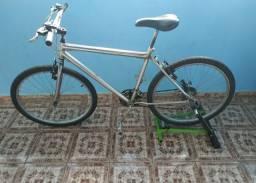 Bicicleta + Rolo de treino.