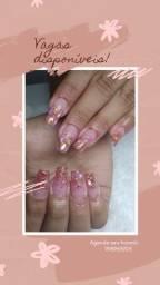 Manicure pedicure e nail designer