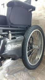 Cadeira motorizada freedon pneus novos revisada ótima tratar com João *