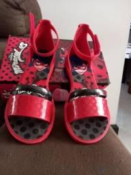 Sandalia Ladybug  tamanho 30