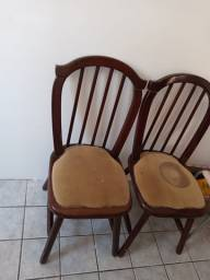 Cadeiras de madeira colonial