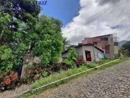 Casa com 2 salas, 2 quartos, riacho no quintal, Maranguape