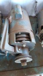 Motor com embreagem para máquina de costura industrial