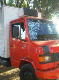 Caminhão utilitário