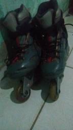 Vendo ou troco esse patins ótimo para iniciates