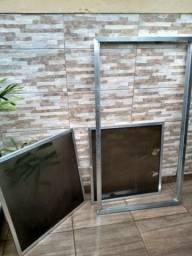 Esquadria de alumínio para fechamento de pia de cozinha