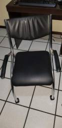 Cadeira de escritório com rodinhas!