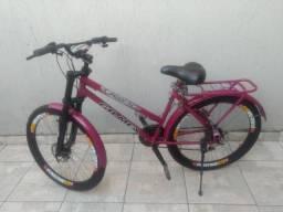 Bicicleta Semi Nova Freio a Disco, Marcha, Aro 26, Banco Novo.