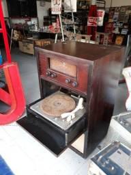 Eletrola Philips anos 50 pra decoração