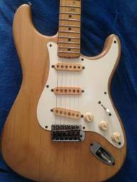 Fender squier japan decada de 80