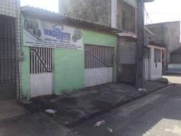 Casa no conjunto Terra Santa - Bairro: Atalaia