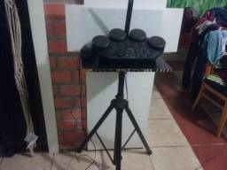 Bateria eletrônica e piano