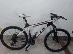 Bike Fuji. Aro 26 TAM 17. Shimano Acera