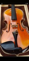 Violino de lutheria chinesa