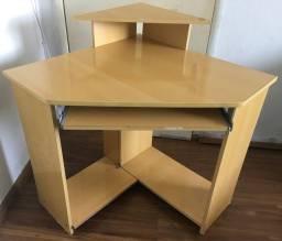 Mesa / escrivaninha