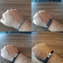 Coleção de 4 pulseiras bem novas