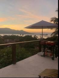 Casa em ilhabela com vista maravilhosa locação para até 15 dias de estadia
