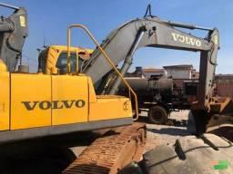 Escavadeira Volvo EC240B LC