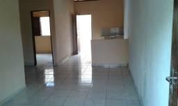 Alugo casa 2 quartos no TAMBAU