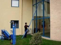 Máquina de Limpar fachadas e vidros