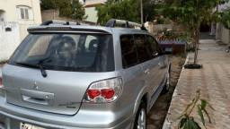 Carro Mitsubichi Airtrek
