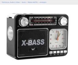 Rádio Relógio Com Lanterna Vintage Usb Sd Fm Am Aux A-135t