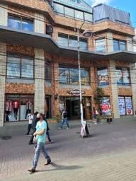 Título do anúncio: Loja/sala imperdível no coração do centro comercial de Teresópolis na calçada da fama