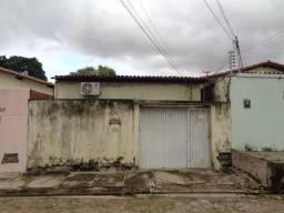 Casa Residencial à venda, 3 quartos, 1 vaga, Monte Castelo - Teresina/PI