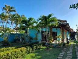 Casa 4 Suítes c/ Ar Condicionado, Beira de Lagoa, Perto da Praia.