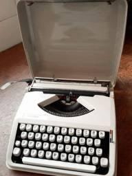 H.B fabricada no final dos anos 60 Maquina de datilografia antiga - antiguidade