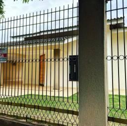 Alugo casa com suite e mais 2 quartos em Paranavai
