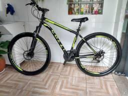 Vendo uma bicicleta arro 29 em bom estado de conservação